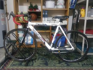 Genesis saber road bike for Sale in Glendale, AZ