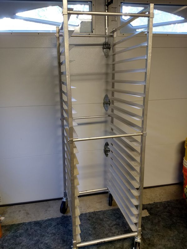 like new Channel Manufacturing Aluminum Bun Pan Rack with wheels