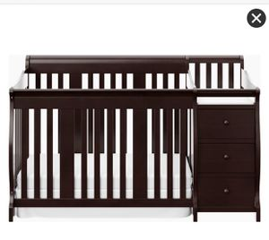 Storkcraft Portofino 4 in 1 convertible crib and changing table. for Sale in Anaheim, CA