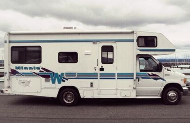 1999 Winnebago Minnie Class C for Sale in Newark,  NJ