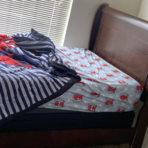 King Size Bed for Sale in Conyers, GA