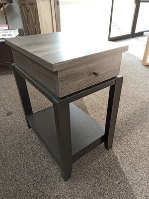 End Table, Distressed Grey for Sale in Santa Fe Springs, CA