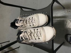 Nike Air Versitile for Sale in The Bronx, NY