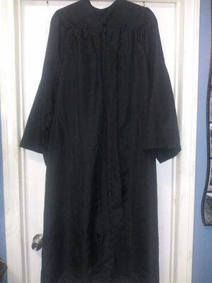 Graduation 🎓gown free for Sale in San Diego, CA