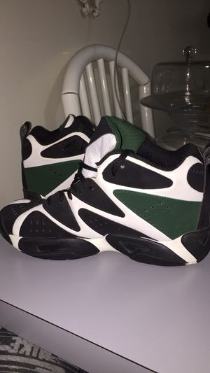 Reebok Sneakers Size 7 IN MEN NYC for Sale in New York, NY