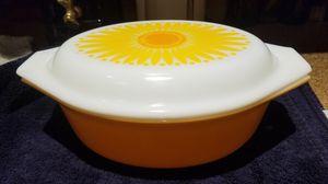 Pyrex 1.5 qt daisy yellow casserole dish for Sale in Boynton Beach, FL