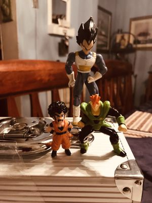 Vintage 1989 Dragon Ball Z( 2) mini and the other one is 2003 for Sale in Coplay, PA