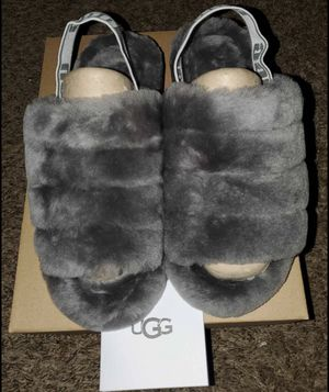 UGG Slippers size 4-12 women for Sale in Chicago, IL