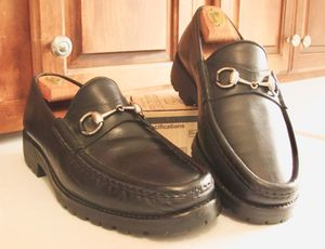 Gucci horsebit loafers great condition size 10 for Sale in Houston, TX