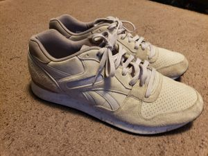 MENS GREY REEBOK SIZE 12 for Sale in New York, NY