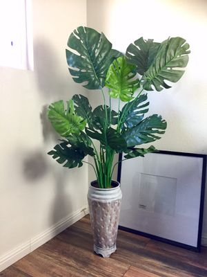 Large 57 inch Faux Fake Monstera Plant in Distressed Painted Vase for Sale in Tustin, CA