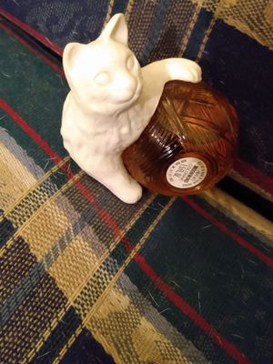 MINT CONDITION 1973 Moonwind AVON perfume for Sale in Evansville, IN