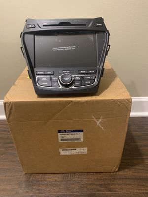 Hyundai Sante Fe Navigation radio assembly for Sale in Lake in the Hills, IL