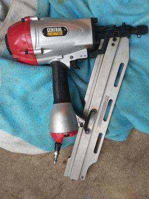 nail gun for framing 75.00 for Sale in Merced, CA