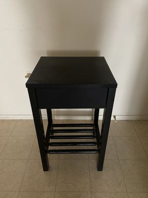 Black side table/nightstand with drawer for Sale in Richmond, CA