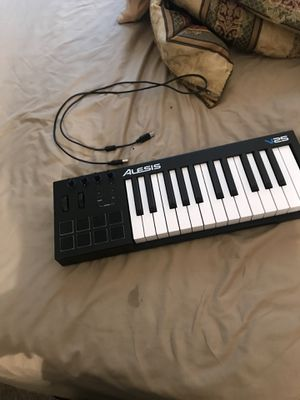 Alesis25 keyboard for Sale in Kennesaw, GA
