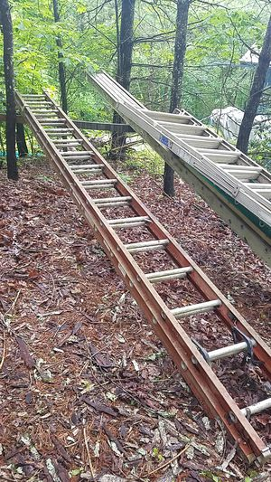32 ft extension ladder for Sale in Sevierville, TN