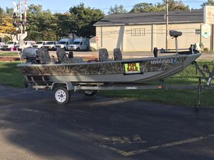 Lowe 16ft fishing boat for Sale in Hamburg, NY