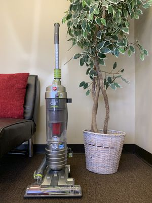 ASSORTED HIGH VALUE VACUUMS for Sale in Longwood, FL