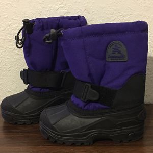 Kamik Canada toddler purple snow boots sz 10 for Sale in Hialeah, FL