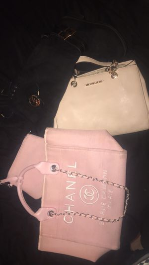 Pink Chanel 31 rue cambon tote bag for Sale in Lawrence, IN