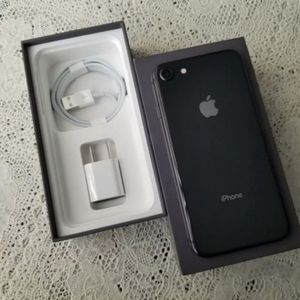 "iPhone 8 ,,Factory UNLOCKED Excellent CONDITION ""aS liKE nEW"" for Sale in Springfield, VA"