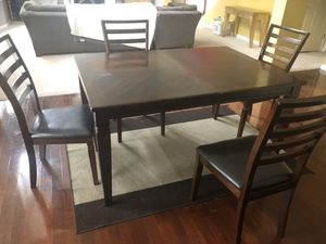 Wood dinning room set for Sale in Union City, GA
