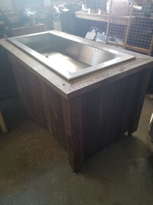 Large Cooler with plug up motor for Sale in Lancaster, SC