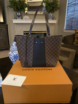 Authentic Louis Vuitton purse for Sale in Etiwanda, CA