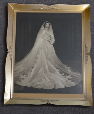 Wedding Dress Sealed Since 1940s for Sale in Palm Desert, CA