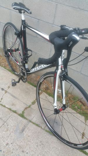 Cannandale road bike full carbon size 56cm rims 700c for Sale in Los Angeles, CA