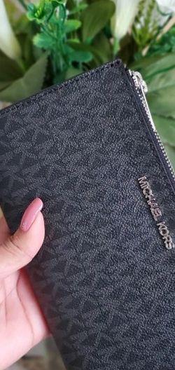Black Mk Wallet/wristlet for Sale in Temecula,  CA
