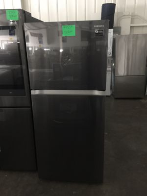 Samsung top freezer fridge for Sale in San Luis Obispo, CA