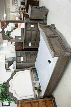 🏷Best OFFER. Sheffield Antique Gray Panel Bedroom Set for Sale in Jessup, MD