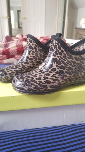 Capelli Leopard rainboots for Sale in VLG LOCH LOYD, MO