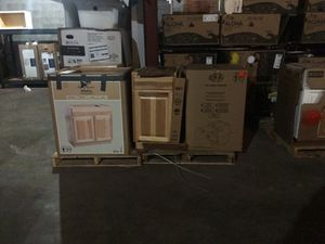 KITCHEN CABINETS *NEW* for Sale in Cleveland, OH