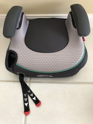 Car BOOSTER Seat • New without Tags • Never Used • Grey Color for Sale in VLG WELLINGTN, FL
