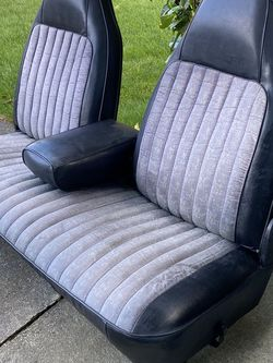 Split Back Bucket Bench Seat for Sale in Federal Way,  WA