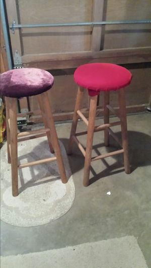 Wooden stools with padded seat for Sale in Bellevue, WA