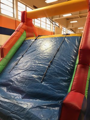 Obstacle course inflatable for Sale in McAllen, TX