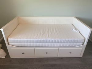 Day bed for Sale in Spring Valley, CA