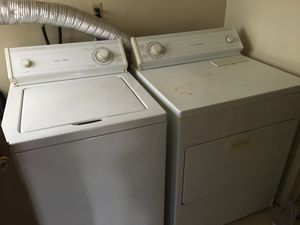 Washer and Dryer for sale. Dryer does not heat up completely. for Sale in Hawthorne, CA