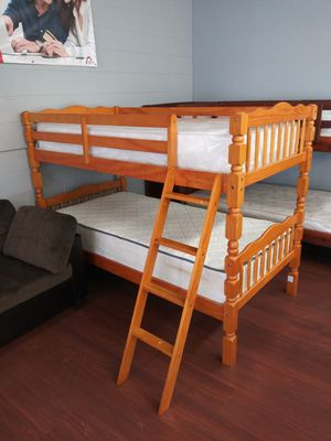 New Twin/Twin Wooden Bunk Bed for Sale in Cleveland, OH