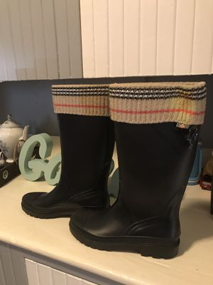 Burberry rain boots size 9 for Sale in Lynn, MA