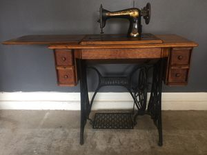 Singer Sewing Table Early 1900s for Sale in Sun City Center, FL