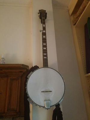Lyle 5 string banjo for Sale in Ithaca, NY