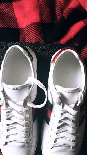 Gucci Ace Bee Sneakers for Sale in Chattanooga, TN