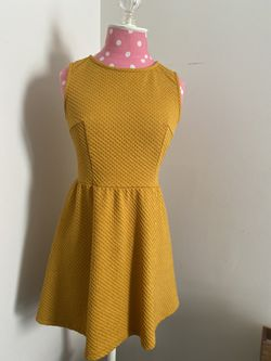Mustard Yellow Dress A-Line for Sale in Centreville,  VA