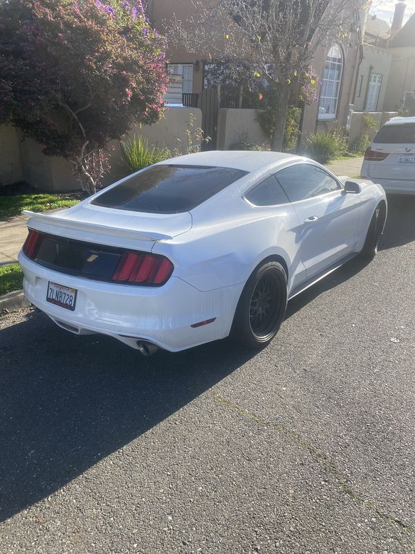 2015 V6 Mustang - CLEAN TITLE - 110400 Miles