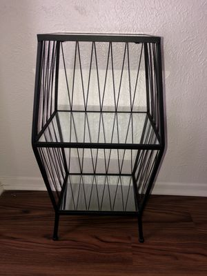Glass end table for Sale in Dallas, TX